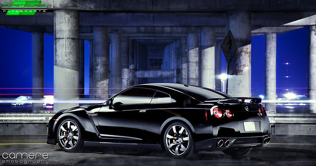 Nissan GTR Black - Back