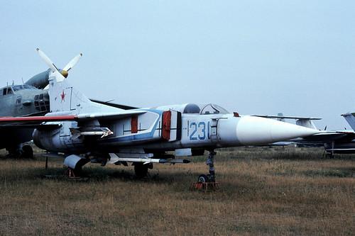 233b MiG-23