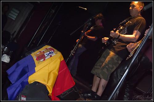 El Bode, guitarra y voz.