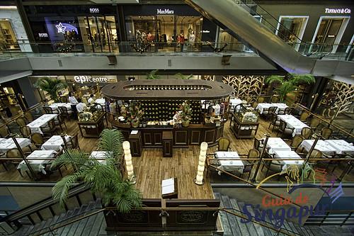 Resultado de imagem para the shoppes at marina bay sands singapore