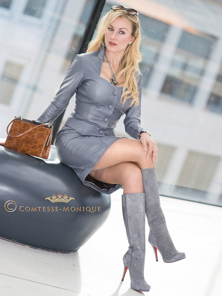 Comtesse-Monique_grey leather skirt suit, boots and nude stockings