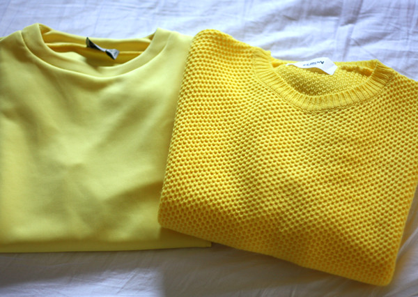 yellow_sweatshirt_sweater_jumper
