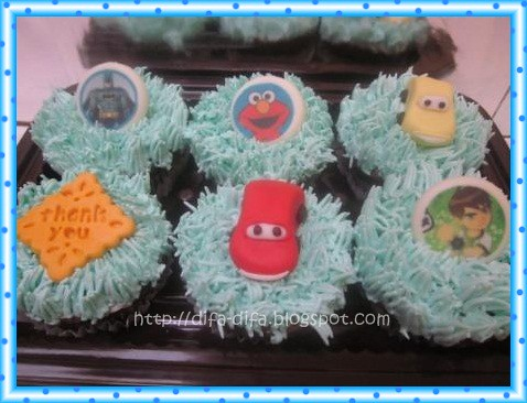 Cupcake set for Athan by DiFa Cakes