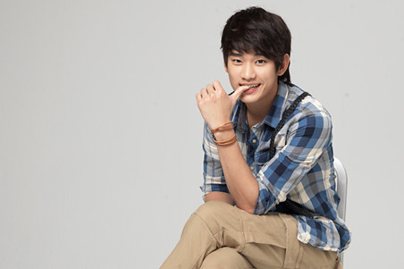 Kim Soo Hyun KeyEast Official Photo Collection 20110717_pizza_03