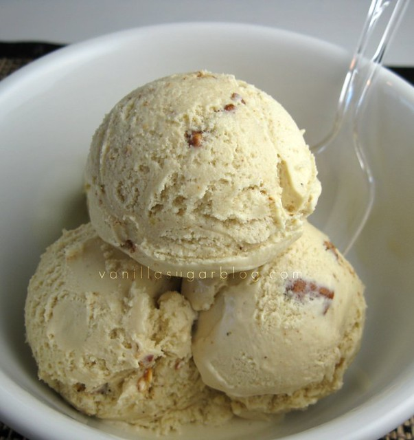 chai ice cream with spicy pecans