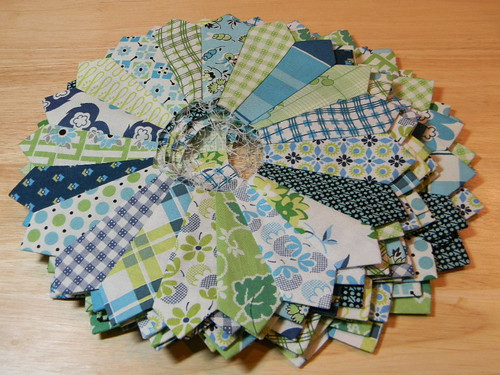 Dresden Plate Quilt Along by Bunny Hill Designs