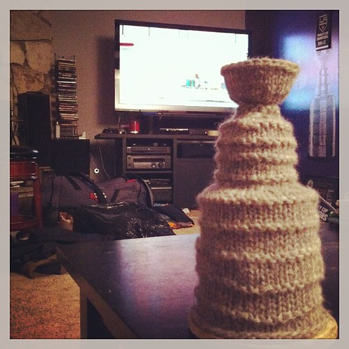 Oh yeah I had some free time so I knit a Stanley Cup. Go Kings! #lakings #knitting