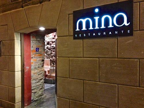 Entrada al restaurante - Restaurante Mina - Bilbao