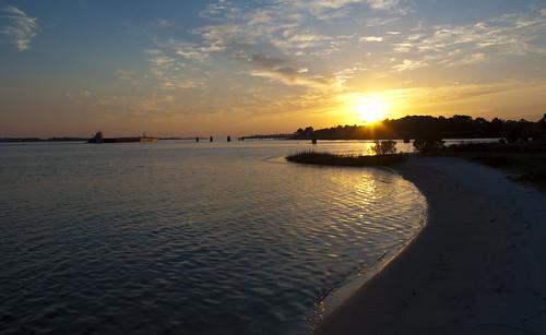 sunset usa water boat nikon wasser unitedstates florida military tug airforce usaf barge afsoc hurlburt soundside santarosasound hurlburtfield okaloosacounty d5000 fisherbray ladylobestar