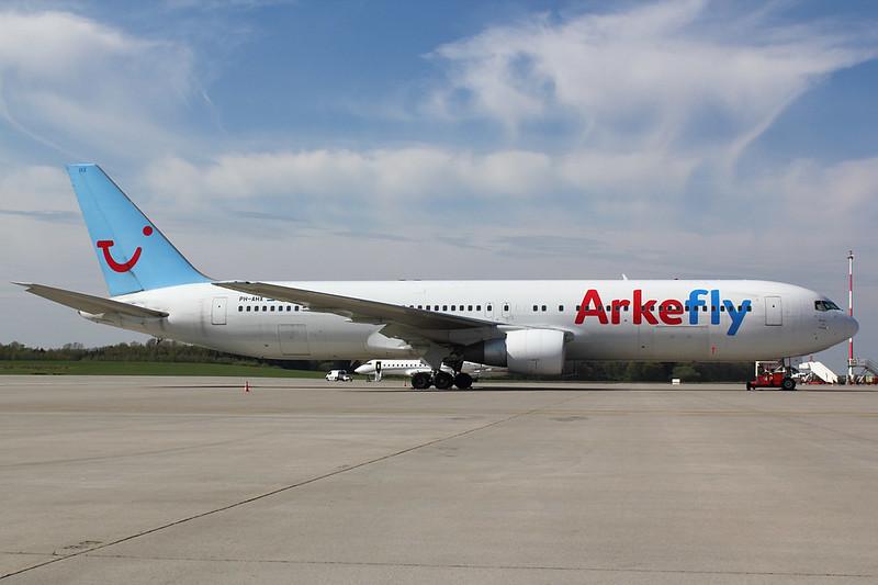 Arkefly - B763 - PH-AHX (1)