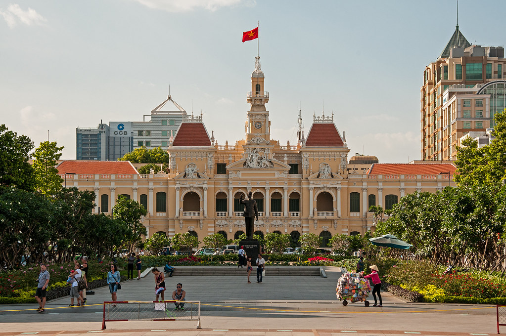 Ho Chi Minh Square, City Hall and Statue