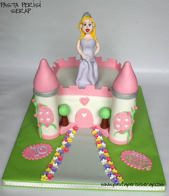 PRINCES AND CASTLE CAKE  - BADE  BIRTHDAY CAKE