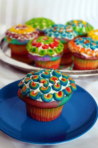 Cupcakes Take The Cake: 5 Lucky Charms cupcakes for St. Patrick's Day ...