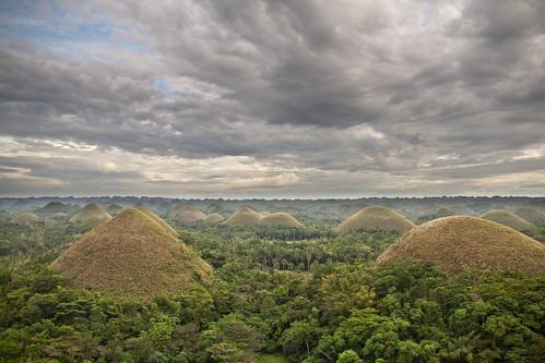 sunset sky cloud mountain nature landscape philippines hills jungle vegetation bohol chocolatehills canoneos400d graduatefilter