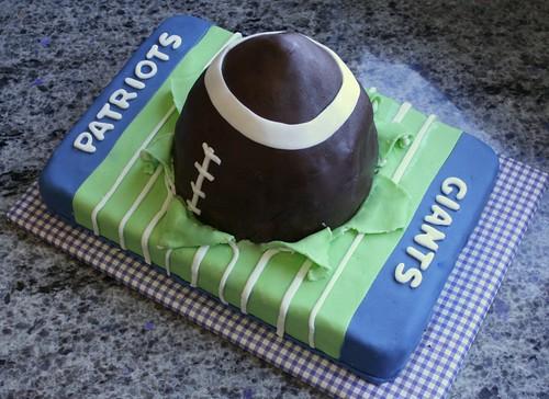 Superbowl Cake 2012 (2)