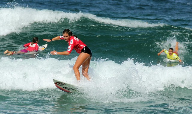 Several surfers in shot at once - Australian Open of Surfing