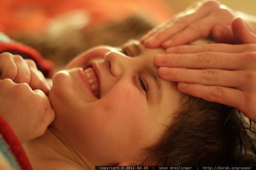 rachel massages sequoia's forehead    MG 8683