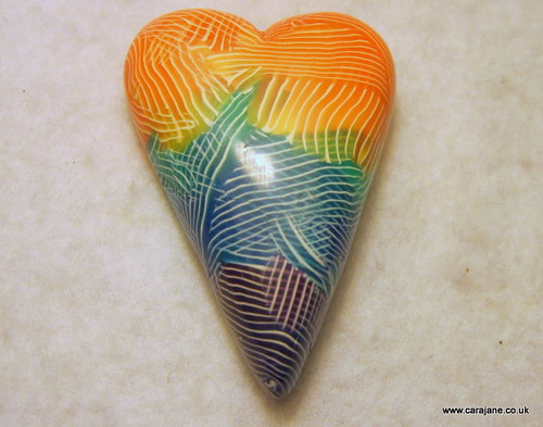 TAD 17 Rainbow striped heart