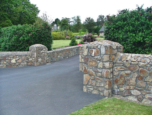 Stone Entrance Pillars : Dundalk rockmarshall stone wall and entrance pillars ds