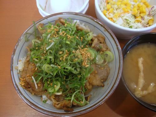 ガーリック焼き牛丼@チカラめし(江古田南口)