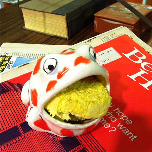 Frog ceramic.