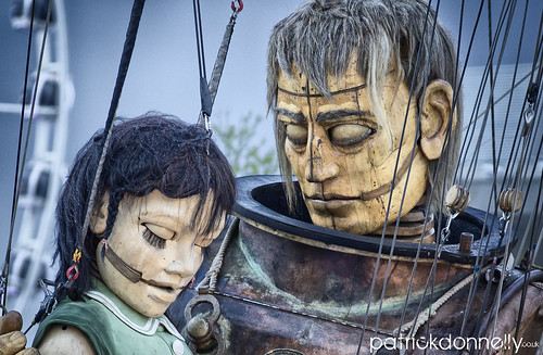 112/365 - Little Girl Giant - Liverpool