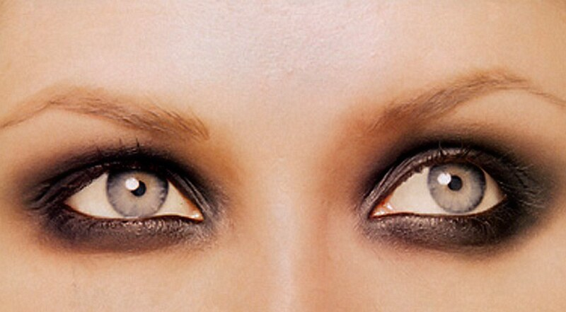 Extremely Smokey Eyes Trend