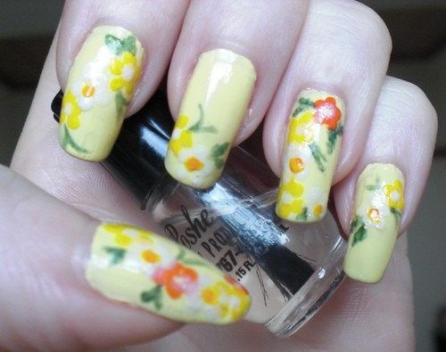 Spring floral manicure by KitaRei
