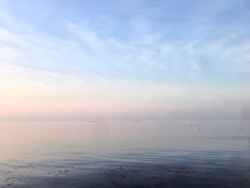 びんび家 前の瀬戸内海