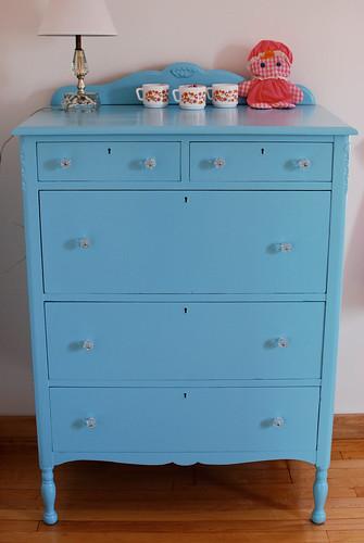 dresser3-0103
