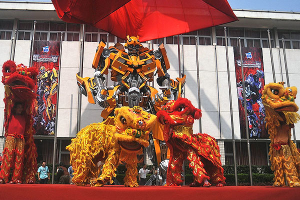 TRANSFORMER Cybertron Con in Shanghai, China (image provided by SPRG)
