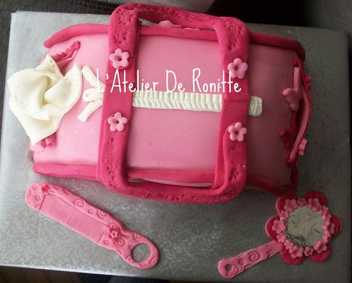 Pembe çanta doğumgünü pastası by l'atelier de ronitte