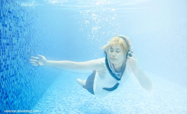 len-underwater-001