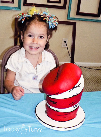 seuss-cat-hat-birthday-party-cake-girl