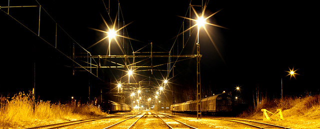 _DSC0653- trains by night