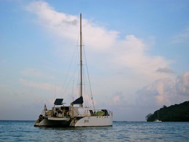 Santana Boat