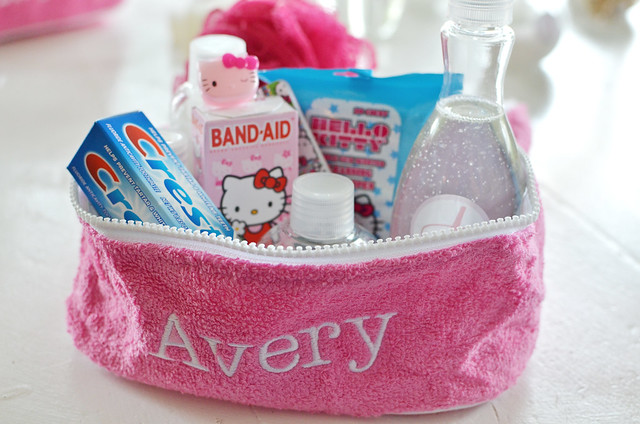 avery toiletry bag