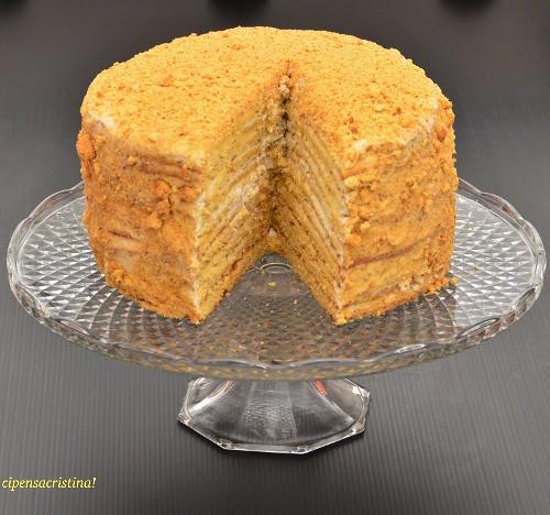 torta medovnik