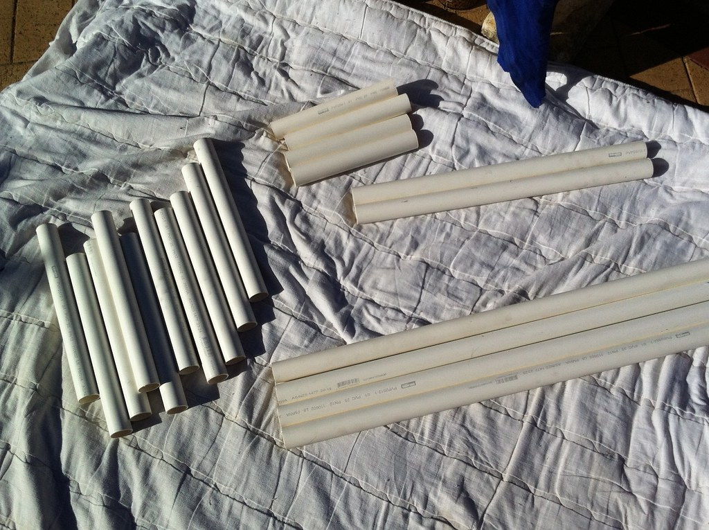 how to cut pvc pipe with a hacksaw
