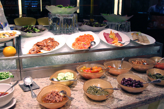 Circles salad station