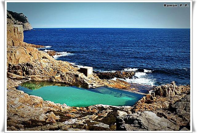 Piscina natural con agua de mar flickr photo sharing for Piscina vilassar de mar