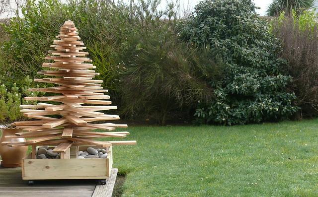 Arbre de noël durable, construit avec du bois de palettes  Flickr