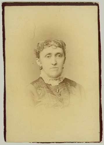 Cabinet Card Woman (trimmed)