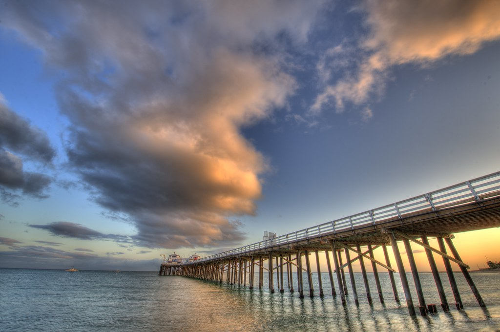 HDR Landscapes of the Malibu Pier Shot  with Nikon D3X