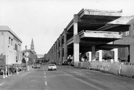 Embarcadero Freeway before teardown (photographer unknown, via Treehugger)