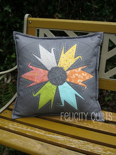 crane star pillow front