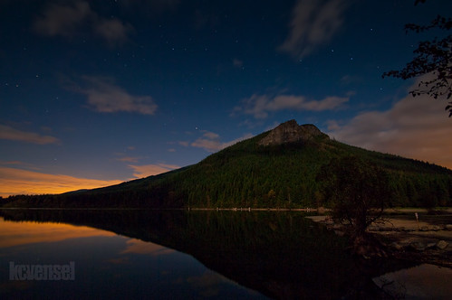 Moon Over Rattlesnake Ridge (Explore)