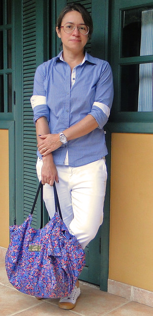 Branco e azul