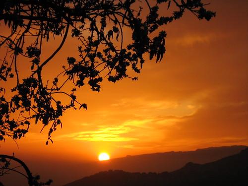 Puesta de sol tras La Gomera - Golden sunset behind La Gomera by perlaroques