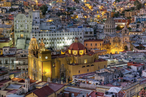 architecture mexico cityscape view cathedral guanajuato hdr gumshoe twighlight photomatix cielodebalcon